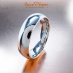 Monica's Fiance's 6mm Platinum Comfort Fit Band with Surprise Diamond