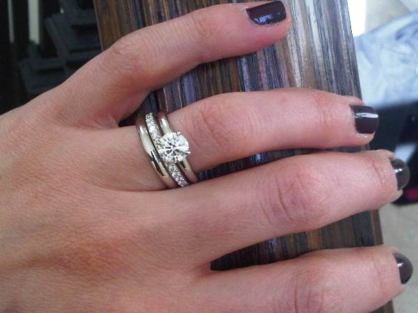 Hand Picture Of Brian Gavin S Grace Solitaire And Wedding