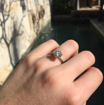 Tiffany-style 6-prong Engagement Ring
