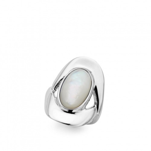 Oval Ring Mother of Pearl Size 8