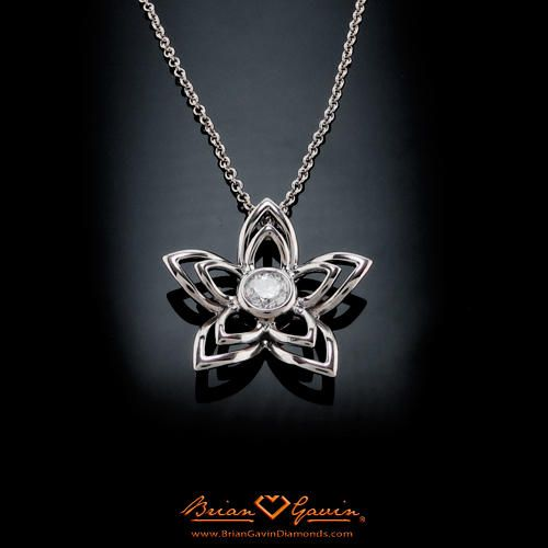 Flowers Large Pendant 18K White Gold