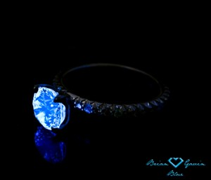 Blue Fluorescence in Diamond in Fishtail Pave Engagement Ring