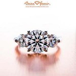What is a 3 stone diamond ring called?