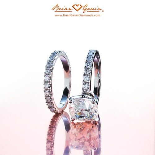 Engagement Rings Settings Guide: Buyer's Guide: Pave And Side Stone Engagement Ring