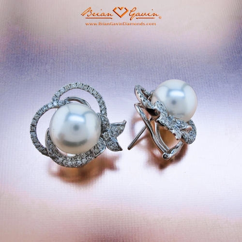 Update the classic look of pearl earrings